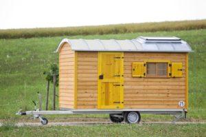 zirkuswagen-als-mobiles-gartenhaus